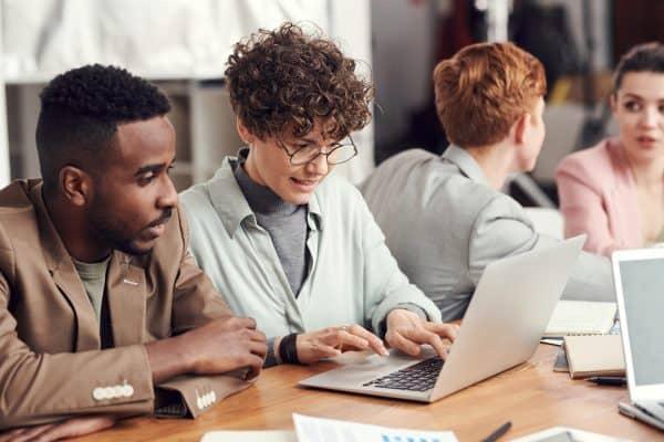 Choisir l'alternance dans le numérique : pourquoi c'est une bonne idée ? En 3 points.