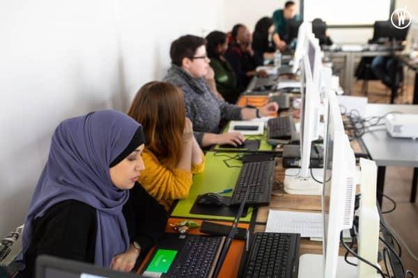 Journée internationale des droits des femmes : pour une société numérique toujours plus inclusive