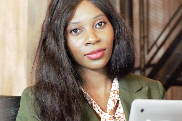Portrait d'une formatrice : Jennifer Nzola, blogueuse, communicante et passionnée